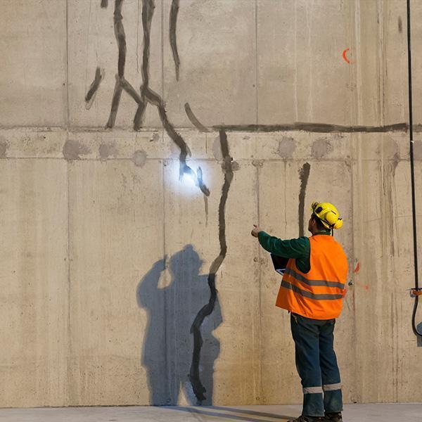 Naprawa rys ispękań budowlanych iiniekcja ciśnieniowa